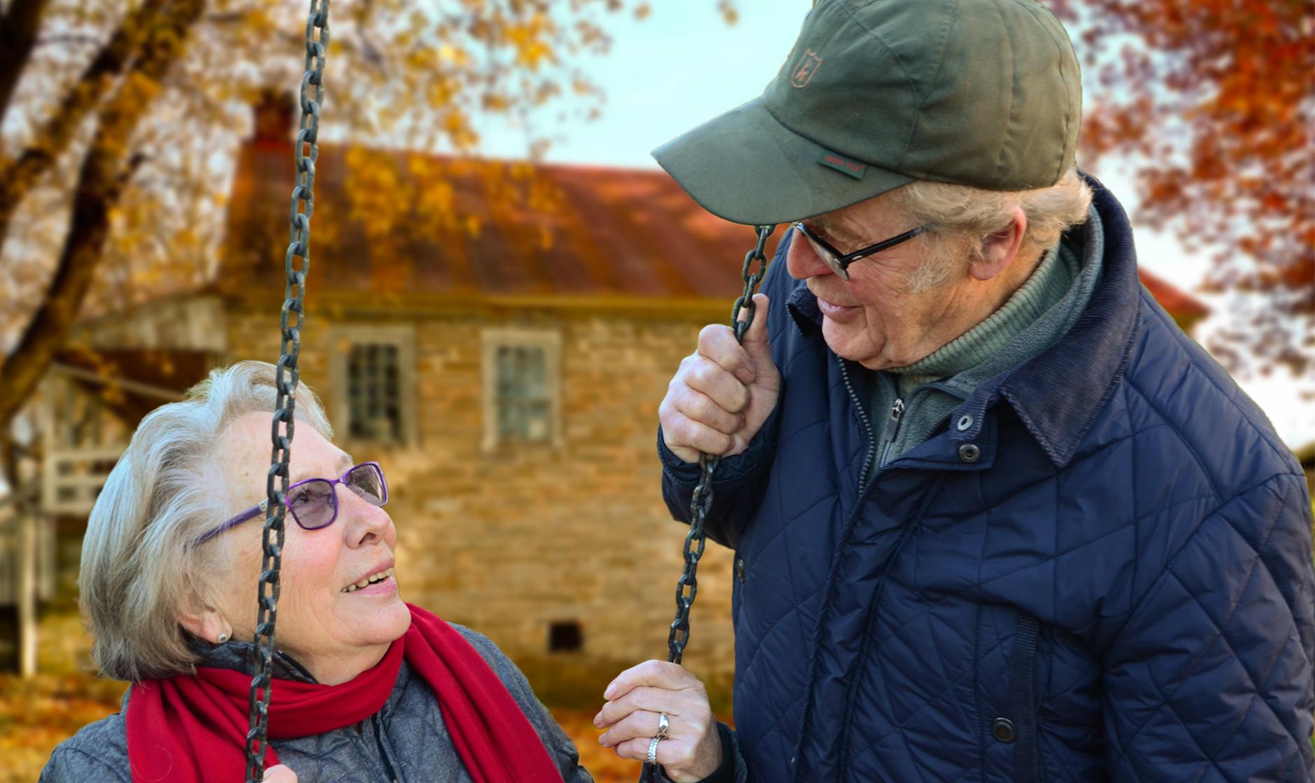 老人適合哪種商業保險?2個種類是必備